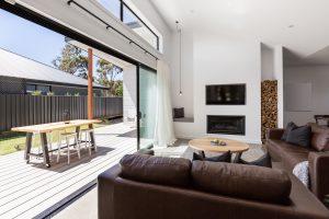 Fotos de salas modernas con chimenea