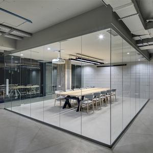 Salas de reuniones modernas