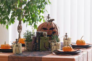 Como decorar una mesa de comedor en halloween