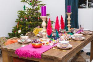 Como decorar una mesa de comedor moderno