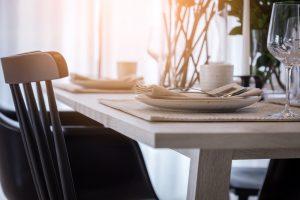 Como decorar una mesa de comedor rapidamente
