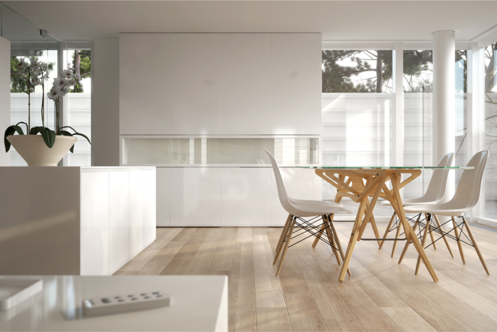 Mesa de comedor de cristal for Decorar una mesa de comedor de cristal