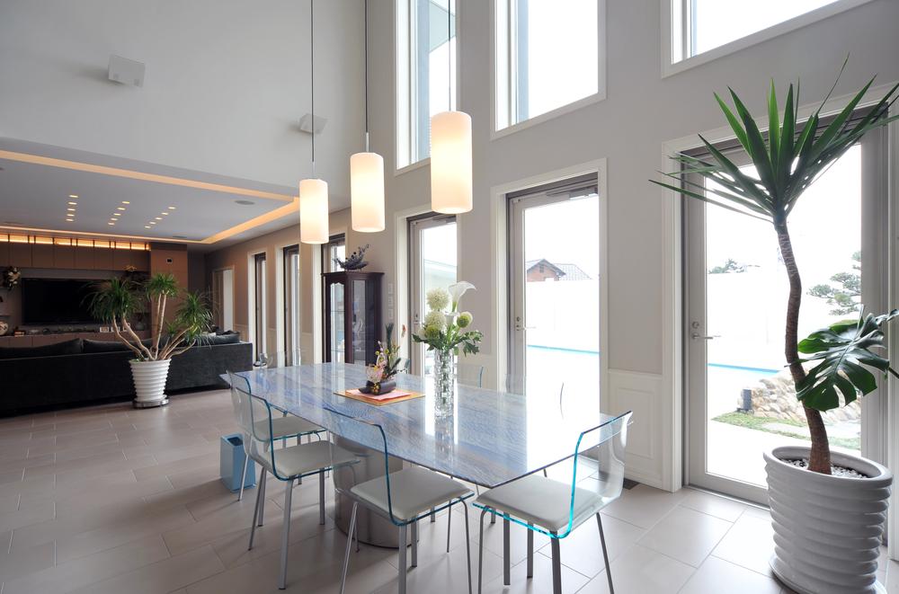 Mesa de comedor de cristal - Mesas modernas de cristal ...