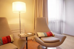 Mesas para salas modernas y acogedoras