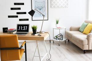 Sala de estar pequeña moderna