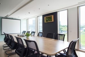 Sala de reuniones moderna y elegante