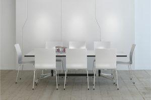 pequeña mesa comedor blanca